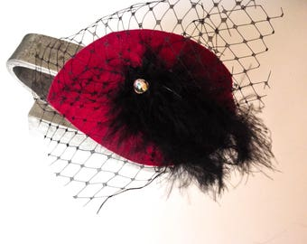 Red Burgundy fascinator with feathers for ladies and girls, cocktail hat, burlesque hatinator, fancy minihat, veil headband