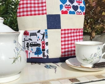 Patchwork tea cosy, lined, insulated, London theme, free shipping