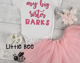 My big sister barks, Baby Onesie, New Baby, Dog sibling, Cat sibling, Dogs, Baby Shower Gift, New Baby, Onesie, Big sister has paws