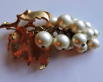 BOUCHER 1950's Faux Pearl Grape Cluster Brooch Pin