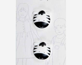 Belle Buttons By Dritz Kids Children Zebra 20 mm ( 1 3/6 inches) Black and White Item BB989 Zoo Animals