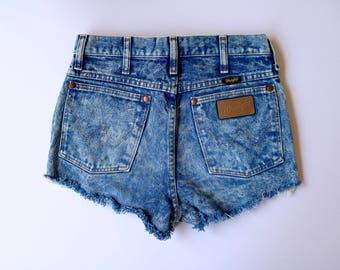 Cutoff Acid-wash Wrangler Shorties - 90s | Size 26