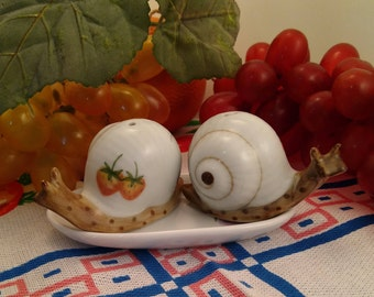 Hand Painted Ceramic, Pair of Snails on a Tray, Salt & Pepper Shakers