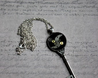 Necklace + pendant shaped key large FORMAT (Steampunk) watch parts and resin