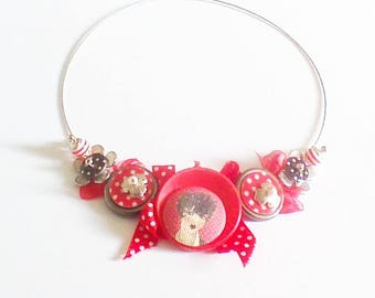"Necklace made with buttons, ""a bit of fashion"""