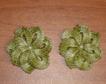set of 2 flowers crocheted 7 avocado green petals 4 cm diameter