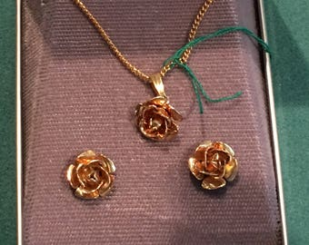 Vintage Giovanni gold tone necklace & pierced earrings set