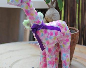 Girafe en papier mâché