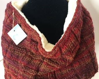 Alpaca cowl red/wine/brown squares with fur