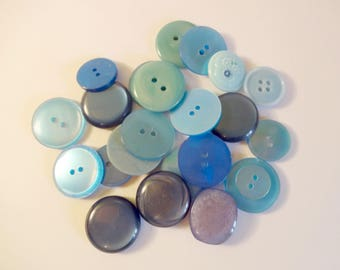 20 buttons in blue - used - couture - scrapbooking - Mix 2