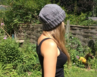 Ribbed knitted hat