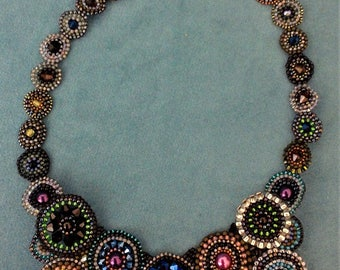 Bright circles beaded necklace