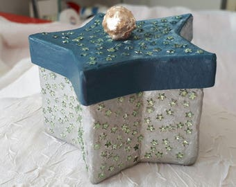 """BOX """"stars"""" cardboard, painted and varnished"""
