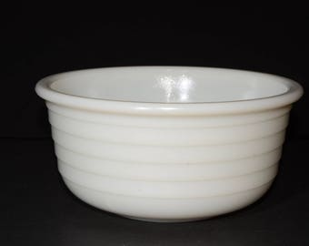 Vintage, White, Milk Glass, Ribbed, Mixing Bowl, 9 inches, Batter Bowl, White Kitchen, Vintage Bakeware, Serving Bowls, Planter Bowl, Fruit
