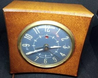 Vintage Seth Thomas Belwyn Clock Red Dot Mid-Century Alarm Clock