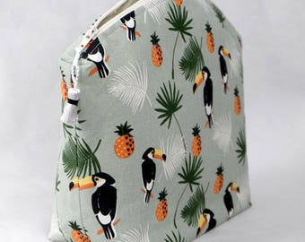 Toilet bag - makeup bag - Green - girl - woman with toucans and pineapples