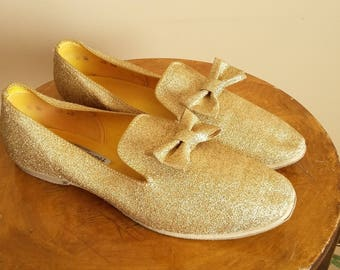 "Vintage Gold Glitter Slippers.  70s ""Foamtreads"".  Suede Bottom Dance Shoes.  Size 8.5. Made in Canada.  Lamé. Sparkles. Bow. Fancy Shoes."