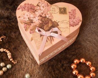 Lilac heart box