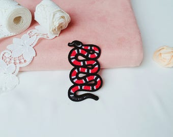 red snake patch/iron on patch/sew on patch/embroidered patch/patch for jacket vest jeans