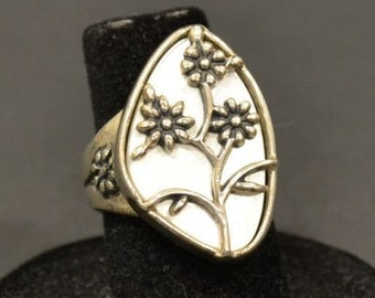 Sterling Silver Floral Ring Signed Veronica Dino Size 6