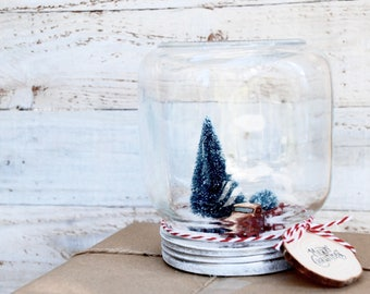 Red truck Christmas centerpiece -Mason Jar Snow Globe - Christmas Decoration with glass jar - christmas gift