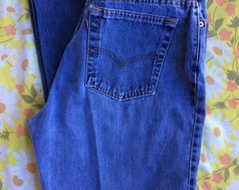 "29""W Levi's High Waisted Vintage Jeans"