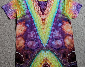Medium V-Design Tie Dye T-Shirt