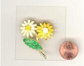 1 Vintage Enameled Daisy Gold Tone Plated Pin 1-3/4 Inch No 164D