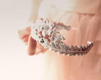 Silver metal headpiece, Unique crown, Vintage inspired headpiece, Art nouveau style crown, Silver laurel leaf headpiece, Vintage wedding