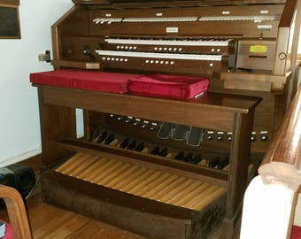 Vintage Allen Digital Computerized Church Organ, Wood Mahogany, In working condition - Local Pickup Only