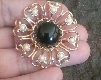 Vintage Gold Pearl and Black Round Brooch