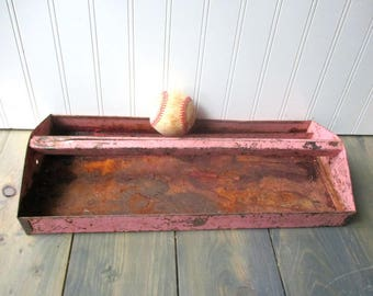 Shabby pink metal tool box tote tray caddy rusty Farmhouse Industrial unusual color