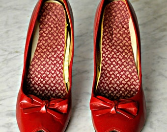Red High Heels, Christmas Shoes, Peep Toe,Vintage High Heels, Stiletto Heels,1950s Shoes, Rockabilly Shoes, Pin Up Shoes,