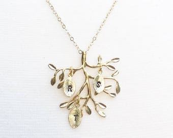 Personalized Family Tree Necklace Initial Leaf Necklace Gift for Mom Gift for Her Monogram Initial Necklace Gold Leaf Grandmother Gift