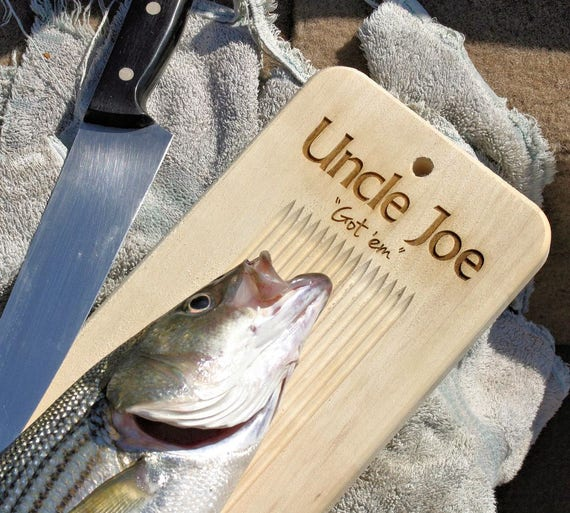 Personalized fish cleaning cutting board w tail clamp for Fish cleaning board
