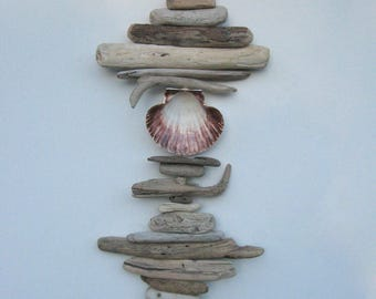 Driftwood Mobile With Large White Shell-DC1304