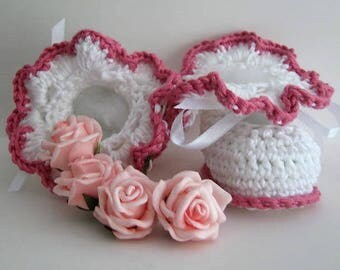 Crochet Pattern PDF - CR162 Frilled Lacy Crochet Baby Shoes/Booties - instant Download