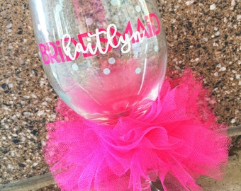 Bridesmaid Wine Glass Maid of Honor Wine Glass Bridal Party Glasses Bachelorette Party Glasses Bridesmaid Glasses Wedding Wine Glass