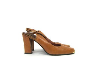 Size 7/7.5 Vintage Brown Leather Heels with Gold Toe   Vintage Brown Heels   Womens Shoes   Gold Toe Detail   7 M Tempos   Brown Slingbacks