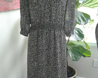 80s IFI Sheer Print Dress—Cool Abstract Print Like A Keith Haring—Long Sleeves—Black and White—Clear Buttons—Elastic Waist and Cuffs—Size 8
