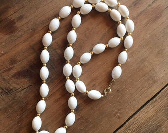 Vintage 90s White and Gold Beaded Necklace, Costume Jewelry, Fashion Jewelry, Necklaces for Women, Long Necklace