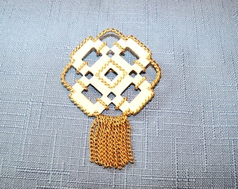 Vintage Brooch Avon White Plastic Gold Tone Gift Guide Wedding Jewelry Jewellery Mad Men Style