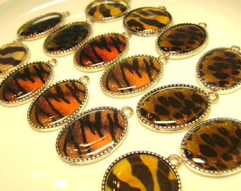 Destash Lot of 15 Mixed Charms Settings - Silvertone Ovals Round Mostly Pairs - Animal Print