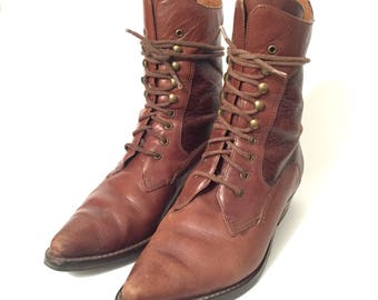 Vintage Whiskey Textured Boots / Size US 7 / Pixie + Pointy / Lace up Granny Ankle Boots