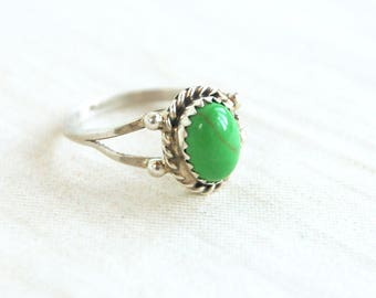 Vintage Green Stone Ring Southwestern Faux Gaspeite Jewelry Sterling Silver Size 7 .75 Oval Neon Lime Cabochon