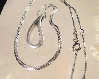 Absolutely Stunning 925 Sterling Silver and Diamond Accent Open Teardrop Necklace with Box Chain