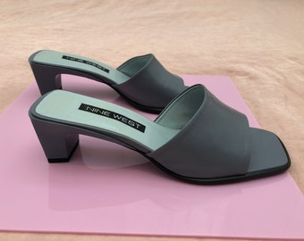 90's Nine West Leather Slides Deadstock Vintage with Block Heel Square Toe Seal Grey Mule Brand New Clueless Shoe 6.5