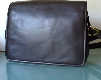 Ili Crossbody Messenger Bag