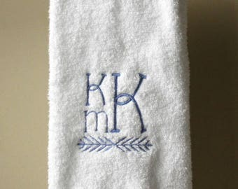 Monogrammed Hand Towel with Vine Flourish