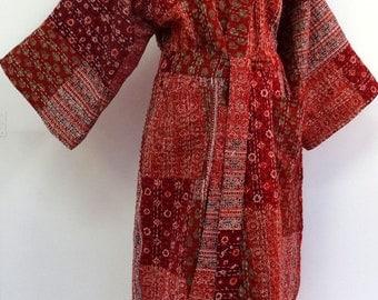 Kimono, robe de chambre, peignoir rouge en patchwork de coton gaudri  bordeaux, rouge et multicolore
